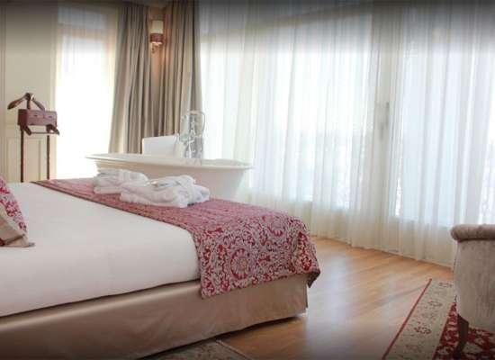 RELAIS-COLLE-SAN-PIETRO-Suite-Prestige-Room-03.jpg