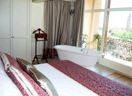 RELAIS-COLLE-SAN-PIETRO-Suite-Prestige-Room-04.jpg