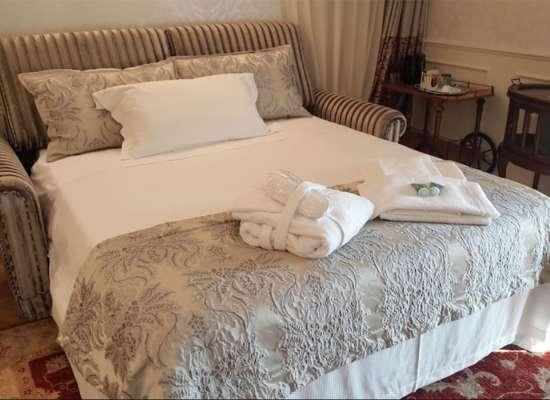 RELAIS-COLLE-SAN-PIETRO-Suite-Prestige-Room-07.jpg